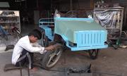 Xe 'mui trần' tự chế của người nông dân nuôi bò ở Củ Chi