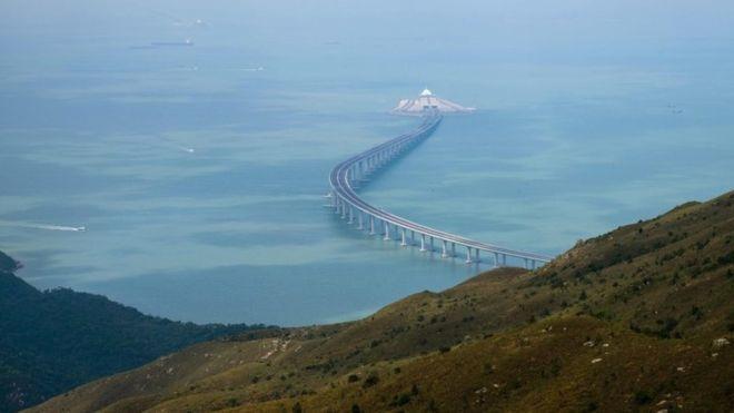 Vẻ đẹp của cầu vượt biển dài nhất thế giới ở Trung Quốc