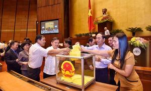 Đại biểu Quốc hội bỏ phiếu bầu Chủ tịch nước