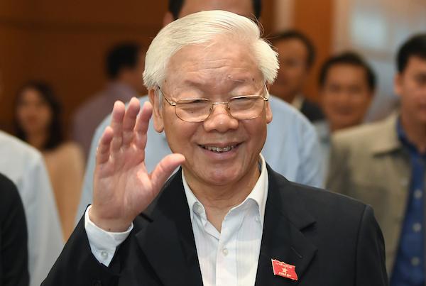 Tổng bí thư Nguyễn Phú Trọng bên hành lang Quốc hội sáng 23/10. Ảnh: Ngọc Thắng