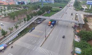 Cầu bộ hành chữ Z cho xe thô sơ và xe máy đầu tiên tại Hà Nội