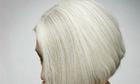 Tại sao tóc bạc có thể đen trở lại?