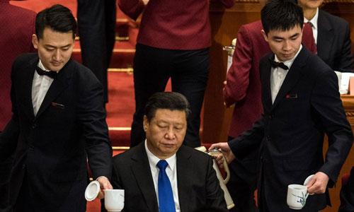 Chủ tịch Trung Quốc Tập Cận Bình (ngồi giữa) tại Hội nghị Chính trị Hiệp thương Nhân dân Trung Quốc ở Bắc Kinh năm 2016. Ảnh: AFP.