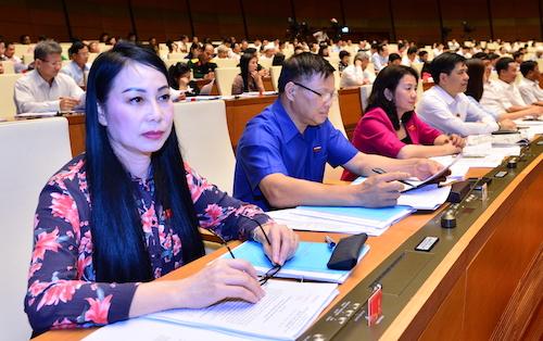 Các đại biểu Quốc hội tiến hành quy trình lấy phiếu tín nhiệm trong hai ngày 24 và 25/10. Ảnh: Ngọc Thắng