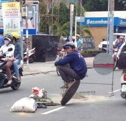 Truyền nhân của Cô Long trên đường phố Việt Nam.