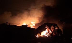 3 công ty gỗ ở Đồng Nai bốc cháy trong đêm