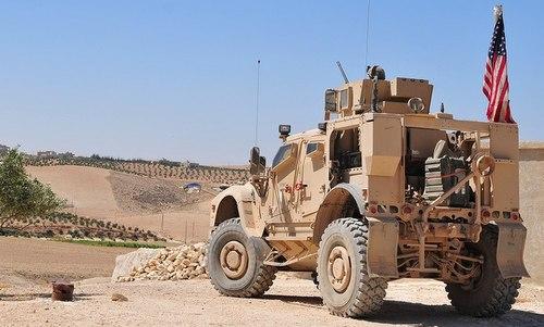 Lực lượng Mỹ tuần tra tại Manbij hồi tháng 8. Ảnh: Military Times.