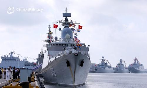 Tàu 015 Trần Hưng Đạo tham gia lễ khai mạc diễn tập chung ở Trung Quốc ngày 22/10. Ảnh: Bộ Quốc phòng Trung Quốc.