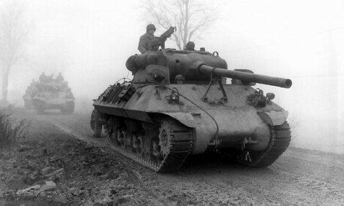 Lực lượng Mỹ triển khai tại Bỉ hôm 20/12/1944. Ảnh: War History.