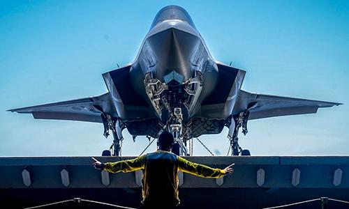 Một số tiêm kích F-35 lại bị dừng bay để kiểm tra. Ảnh: US Navy.