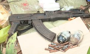 Cảnh sát thu giữ nhiều vũ khí của nhóm buôn ma túy