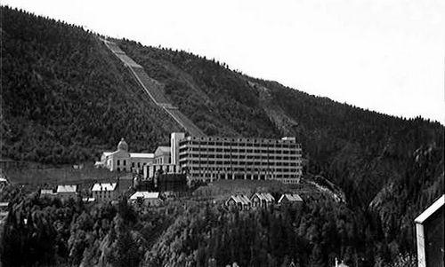 Nhà máy Vemork hồi năm 1935. Ảnh: Wikipedia.