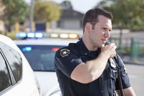 Mã 10 giúp cảnh sát liên lạc ngắn gọn và thuận tiện. Ảnh: The Balance Careers