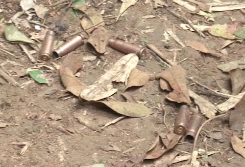 Vỏ đạn tại hiện trường sau cuộc đấu súng.