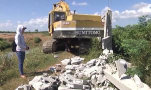 Trại heo 'khủng' xây trái phép cạnh hồ Trị An bắt đầu tháo dỡ