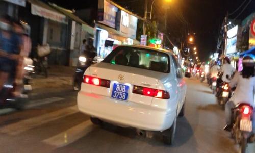 Cục CSGT khẳng định tài xế ôtô dùng biển xanh 80 giả mạo