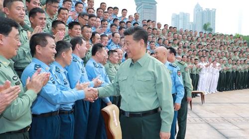 Chủ tịch Trung Quốc Tập Cận Bình thăm Chiến lược khu phía Nam hôm 25/10. Ảnh: Xinhua.
