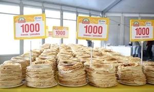140 người lập kỷ lục thế giới làm 14.000 chiếc bánh kếp trong 8 tiếng