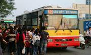 Xe buýt 6 tỷ ở Hà Nội chỉ có 7 khách mỗi lượt là do trời nắng - 2