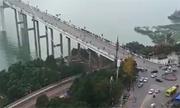 Xe buýt rơi xuống sông ở Trung Quốc, ít nhất hai người thiệt mạng