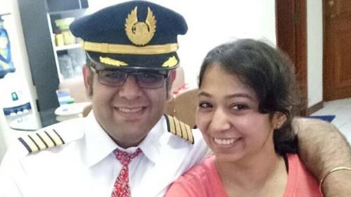 Bhavye Suneja và vợ. Ảnh: Facebook