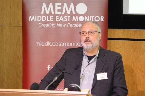Nhà báo Jamal Khashoggi phát biểu tại một sự kiện ở London, Anh hồi tháng 9. Ảnh: Reuters.