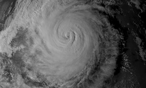 Bão Yutu nhìn từ vệ tinh. Ảnh: US Navy.