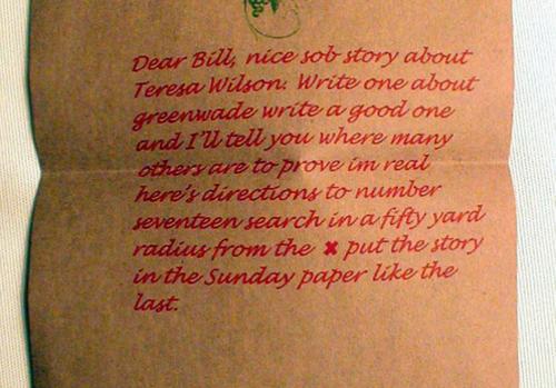 Bức thư được đánh máy bằng chữ đỏ. Ảnh: stltoday.