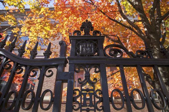 Sắc thu trong các đại học thuộc khối Ivy League