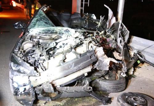 Chiếc xe Mazda3 nát bươm sau tai nạn. Ảnh: T.A