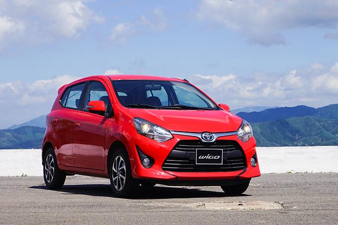 Toyota Wigo tại nhà máy thuỷ điện Hoà Bình.