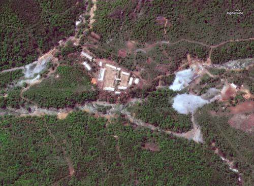 Ảnh vệ tinh cho thấy Triều Tiên phá hủy bãi thử hạt nhân Punggye-ri hôm 23/5. Ảnh: Korea Times.