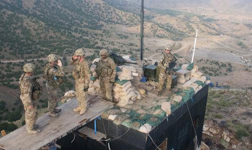 Lính Mỹ tại một căn cứ tiền phương ở Afghanistan năm 2011. Ảnh: Lầu Năm Góc.