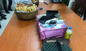 Nhóm đánh giày ở Hà Nội ép khách Tây trả tiền với giá 'cắt cổ'