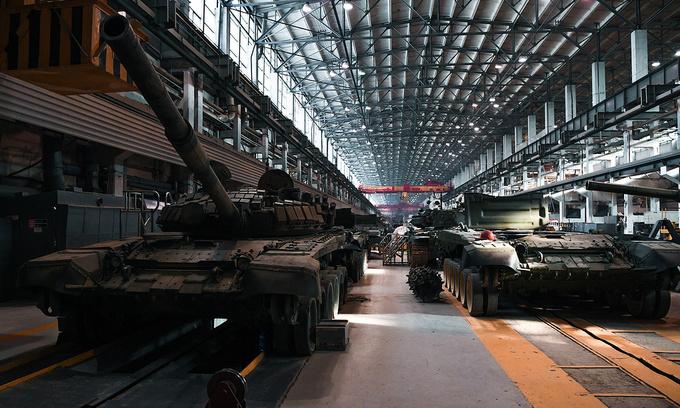Bên trong dây chuyền chế tạo, thử nghiệm xe tăng T-90 của Nga