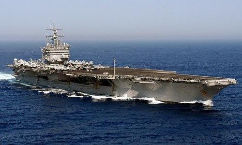 Tàu sân bay USS Enterprise tuần tra hồi năm 2004. Ảnh: US Navy.