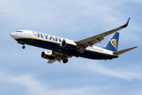 Một máy bay chở khách của hãng Ryanair. Ảnh: Aviation.