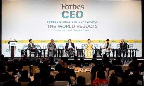 Hội nghị Forbes Global CEO diễn ra sáng ngày 31/10 với chủ đề The World Reboots - Khởi động lại thế giới