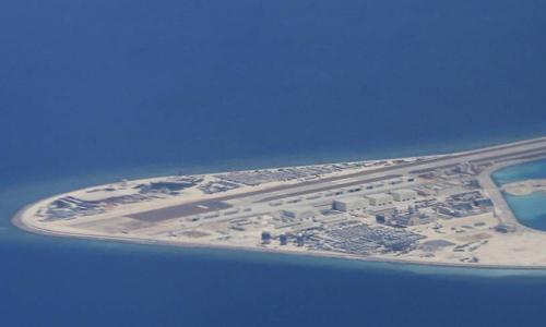 Các công trình Trung Quốc xây dựng phi pháp trên đá Subi thuộc quần đảo Trường Sa của Việt Nam. Ảnh: AP.
