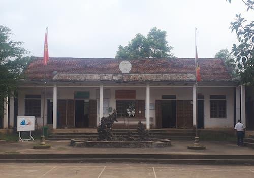 Trụ sở UBND xã Nghĩa Bình (huyện Tân Kỳ) nơi xảy ra vụ xô xát. Ảnh: Văn Hùng.