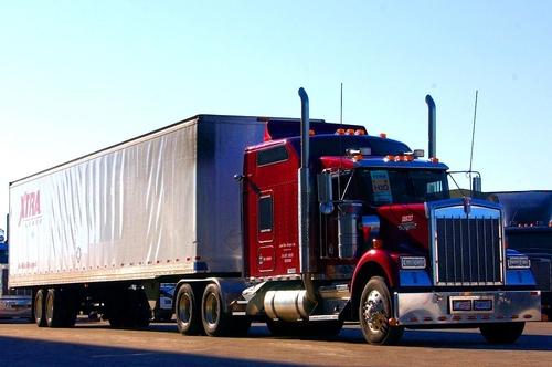Xe container có khoang ngủ sau buồng lái.