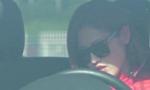 Cô gái Malaysia xinh đẹp drift xe trên sân vận động Mỹ Đình