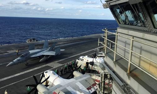 Tàu sân bay USS Ronald Reagan tham gia cuộc tập trận hải quân chung Keen Sword với Nhật Bản và Canada hôm 3/11. Ảnh: Reuters.