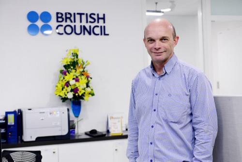 Ông Jon Glendinning, Giám đốc Giảng dạy và Học thuật tiếng Anh, khu vực Đông Á -Cựu Giám đốc Chương trình tiếng Anh của Hội đồng Anh tại Việt Nam.