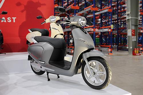 Xe điện VinFast Klara trong lễ ra mắt tại nhà máy ở Hải Phòng.
