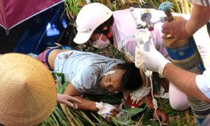 Người đàn ông được giải cứu sau 2 giờ kẹt dưới xe ben