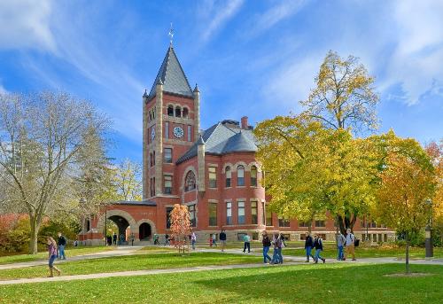 Học bổng tới 10.000 USD một năm tại Đại học New Hampshire