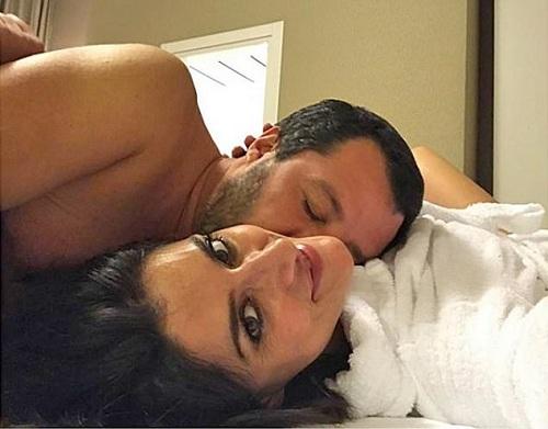 Isoardi đăng ảnh thân mật cùng người yêu và nói lời chia tay trên Instagram. Ảnh: Isoardi.