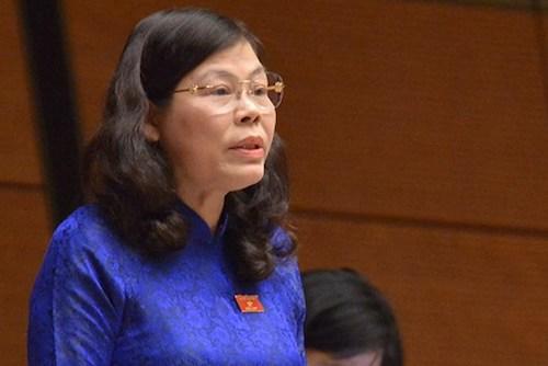 Đại biểu Quốc hội Lê Thị Yến, Đoàn Đại biểu Quốc hội tỉnh Phú Thọ phát biểu tại phiên thảo luận sáng 6/11. Ảnh: QH