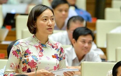 Đại biểu Vũ Thị Nguyệt phát biểu sáng 6/10. Ảnh: QH